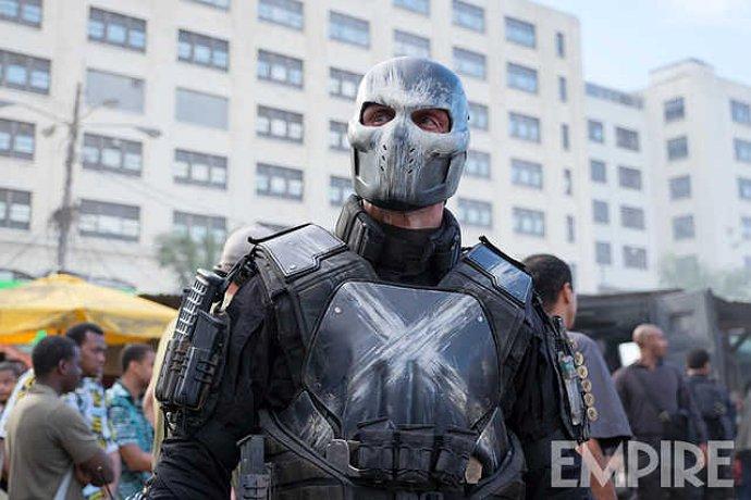 Tampilan pertama supervillain, Crossbones