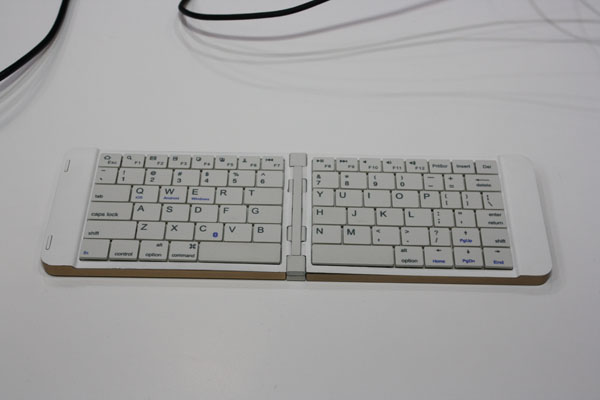 Mini-Komputer-pipo-kb2
