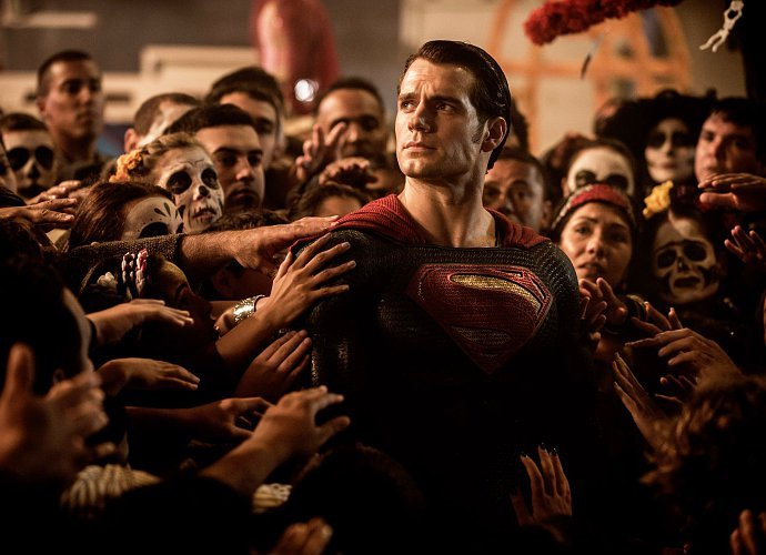 wb akan buat man of steel 2