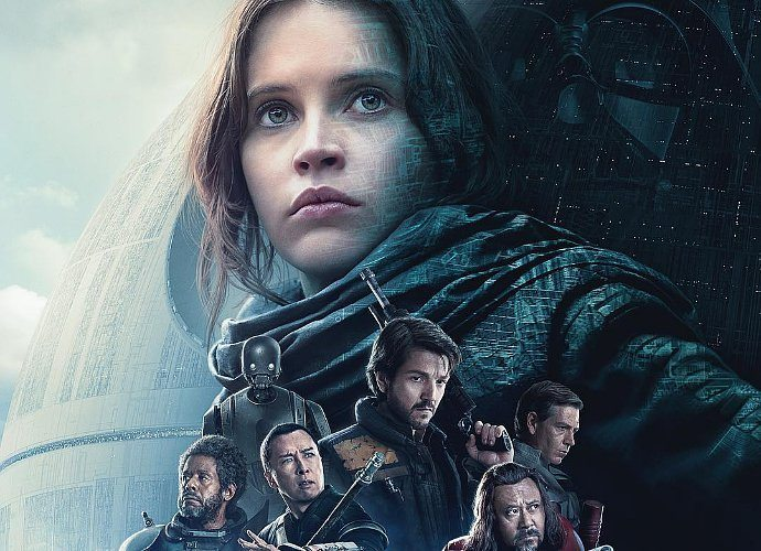 poster rogue one tampilkan darth vader