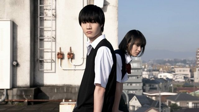 Dafunda Otaku - Miyu Yoshimoto (tepat di kanan) sebagai Hanabi Yasuraoka, dan Dori Sakurada (kiri) sebagai Mugi Awaya