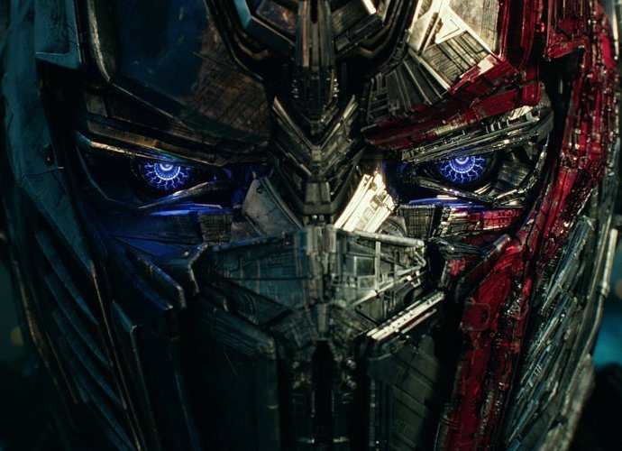 sinopsis the last knight, michael bay ucap perpisahan