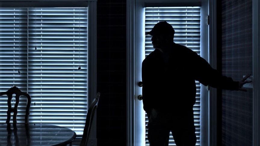 Pencuri di Rumah