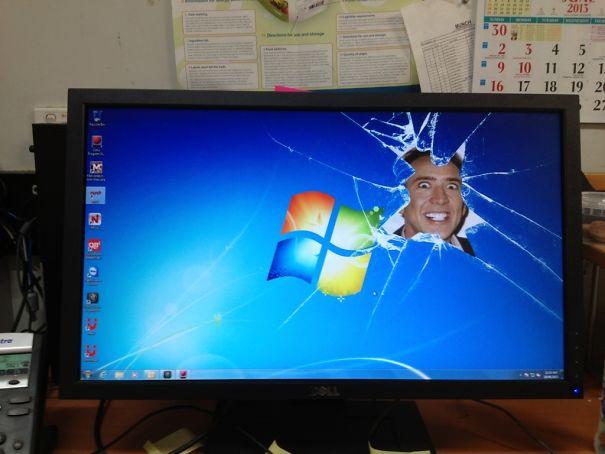 tingkah konyol orang di kantor 3