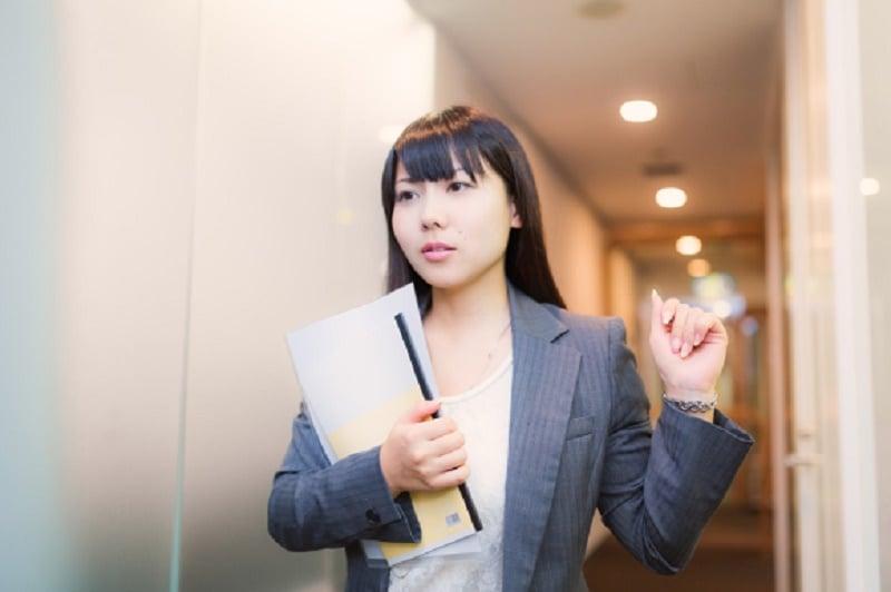 10 Realita Wanita Berdada Kecil Menurut Survei Masyarakat Jepang10 Realita Wanita Berdada Kecil Menurut Survei Masyarakat Jepang 6
