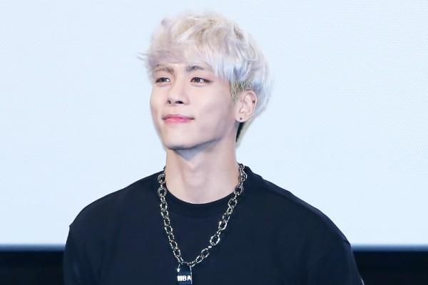 Jonghyun Shinee Acb7524ee312b63c5909f968b6c823dd 600x400