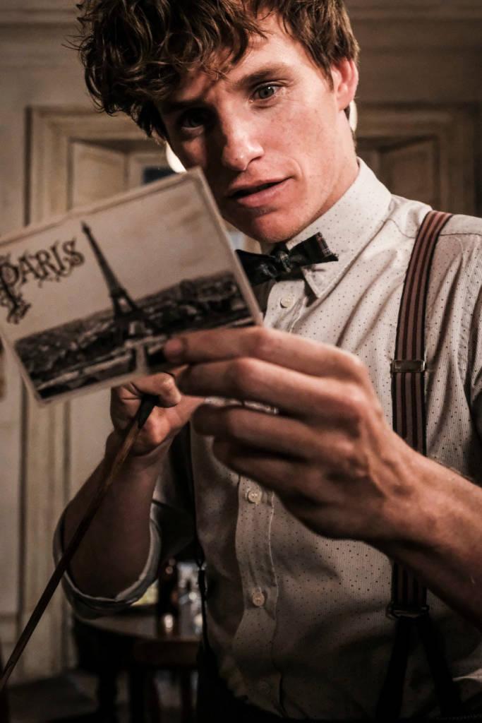 Sejumlah Foto Bocorkan Gambaran Sekuel Film Fantastic Beasts The Crimes Of Grindelwald! 2