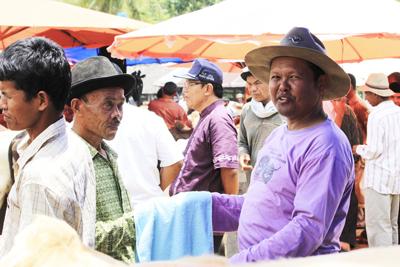 Ada Di Indonesia, Inilah 7 Pasar Paling Aneh Di Dunia, Sampai Bisa Beli Manusia Loh Pasar Bisu Koto Baru, Sumatera Barat