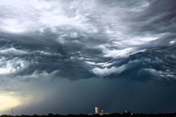 Dari Indah Hingga Menakutkan, Inilah 10 Fenomena Langit Paling Heboh Di Dunia! Awan Mengerikan