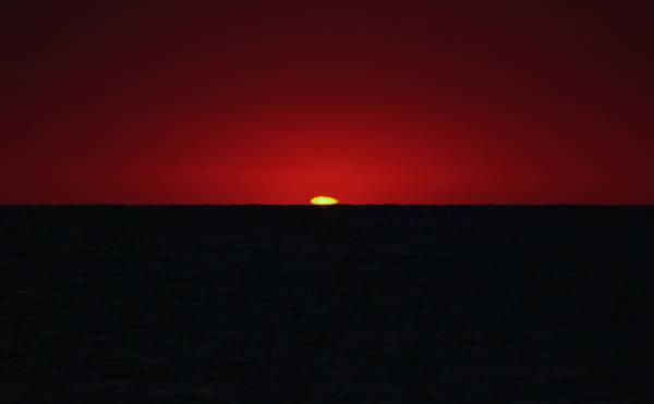 Dari Indah Hingga Menakutkan, Inilah 10 Fenomena Langit Paling Heboh Di Dunia! Matahari Terbenam