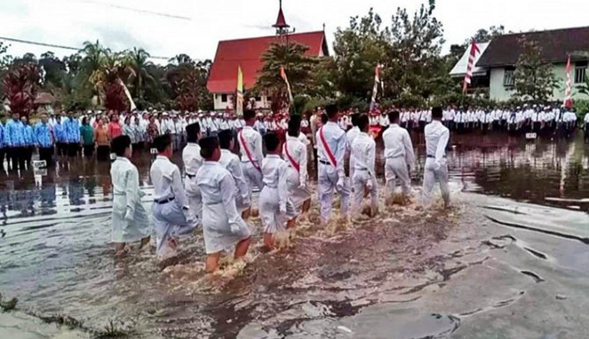 Heroik Banget, Inilah 10 Momen Menggetarkan Hati Ketika Hari Kemerdekaan Indonesia! 7
