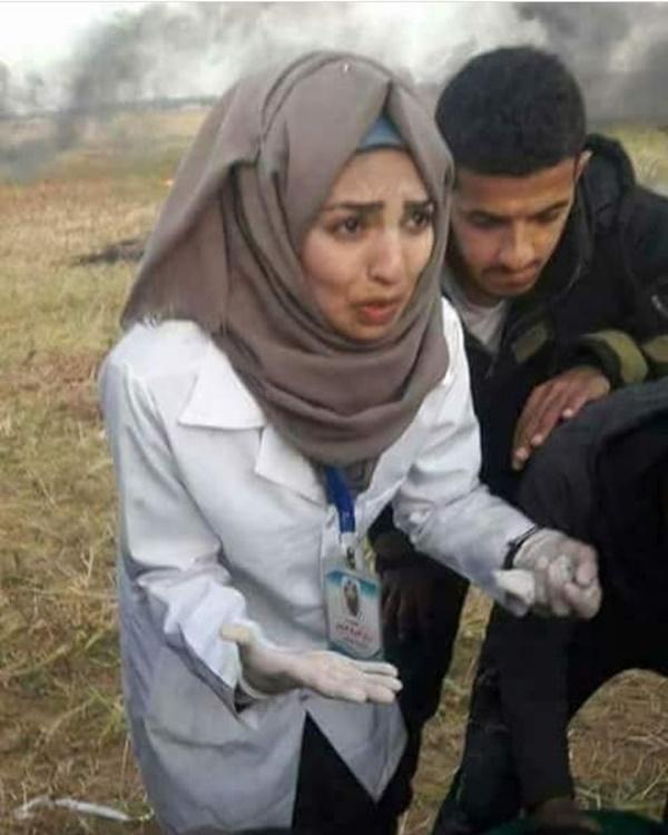 Inilah 8 Pesona Razan Al Najjar, Medis Cantik Palestina Yang Ditembak Tentara Israel! Tempat Tak Aman