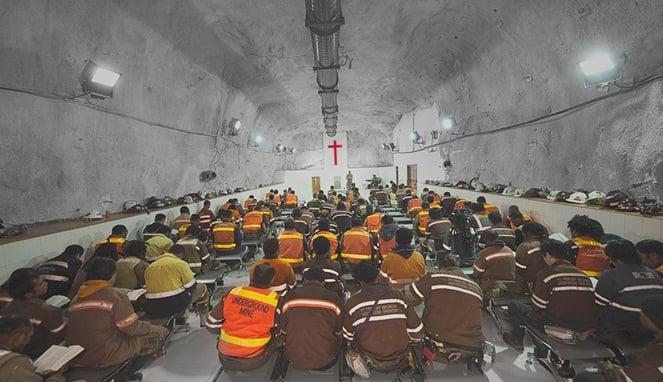 Inilah Fakta Tempat Ibadah Karyawan Freeport Yang Ribuan Meter Dalam Perut Bumi! Dafunda