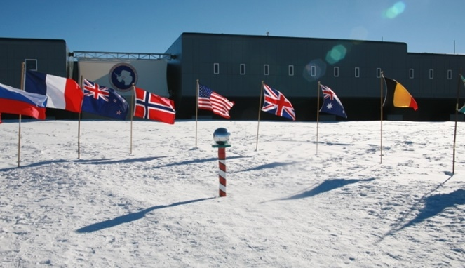 Misteri Tembok Es Antartika Yang Disembunyikan Pemerintah Amerika Dari Mata Dunia, Ada Apa Zona Terlarang