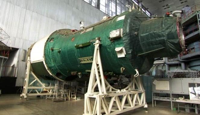 Nuklir EMP, Bom Pemusnah Listrik Yang Diprediksi Menjadi Pembuka Perang Dunia III! Teknologi Terbaru