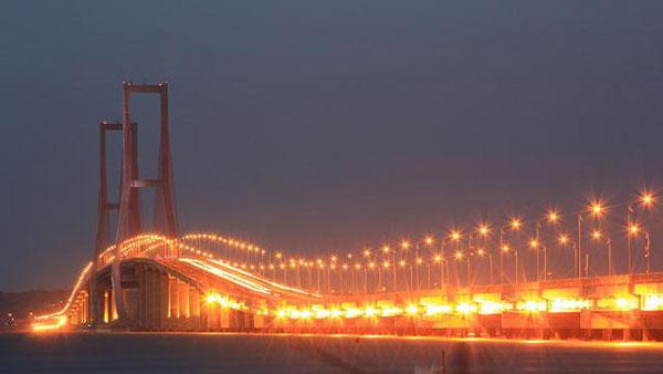 Serem, Inilah 5 Jembatan Paling Angker di Indonesia ...