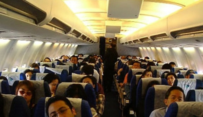 Terungkap, Ternyata Inilah Alasan Dibalik Kenapa Tak Pernah Ada Pesawat Melintasi Langit Kak'bah! Penumpang Non Muslim