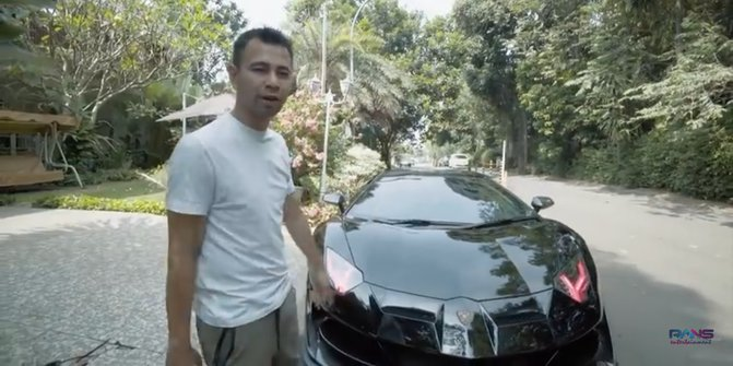 Mobil Batman Raffi Ahmad 3
