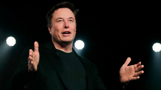 Rencana Elon Musk Menghubungkan Otak Manusia Dengan Komputer