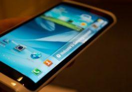 Smartphone Dengan Teknologi Oled