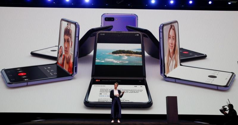 Pabrik Samsung Korea Selatan Galaxy Z Flip corona