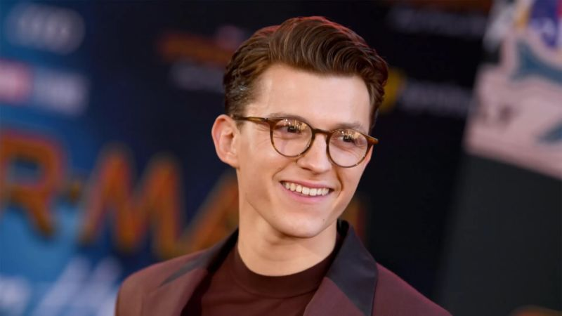 Tom Holland Tanggapan Back To The Future