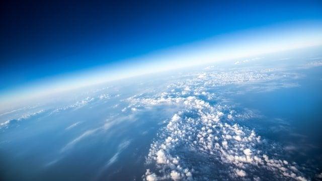 Ilustrasi Lapisan Ozon Bumi