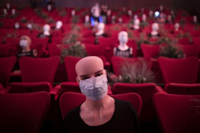 Bioskop Di Spanyol Terapkan Physical Distancing Apmanu Fernandez