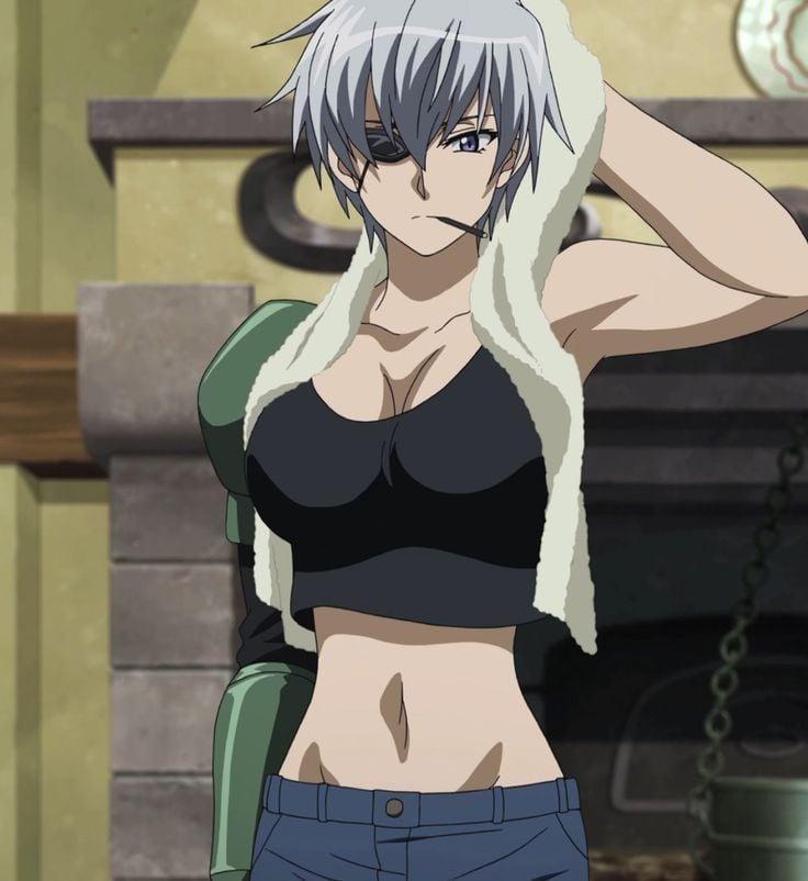Karakter anime memakai penutup mata Najenda