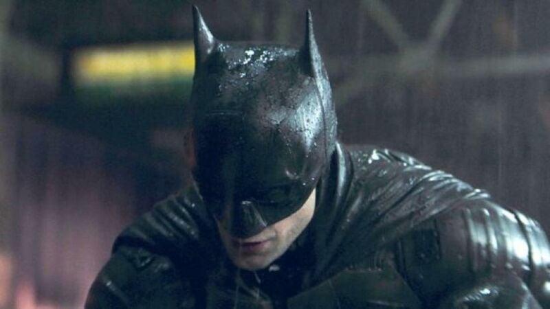 Karakter Batman Yang Diperankan Oleh Robert 201104210558 946